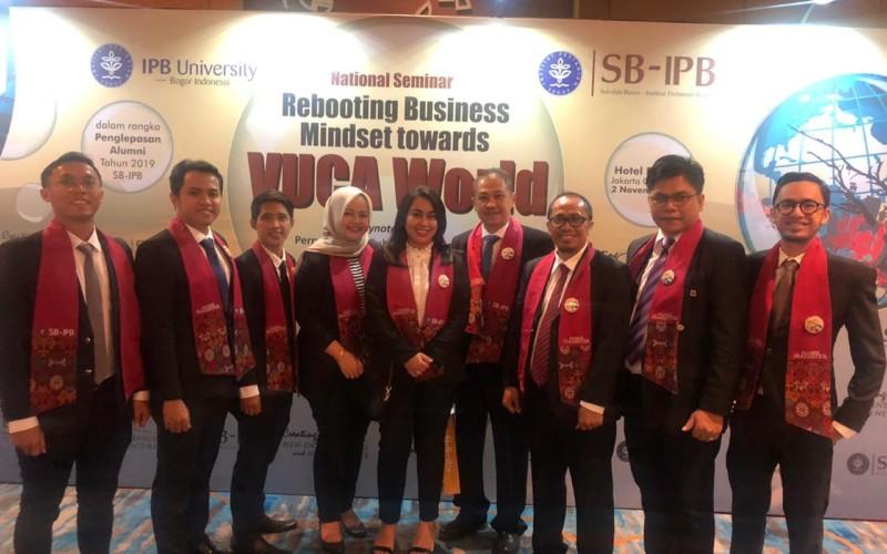 SB IPB Lepas 368 Alumni S1, S2 dan S3