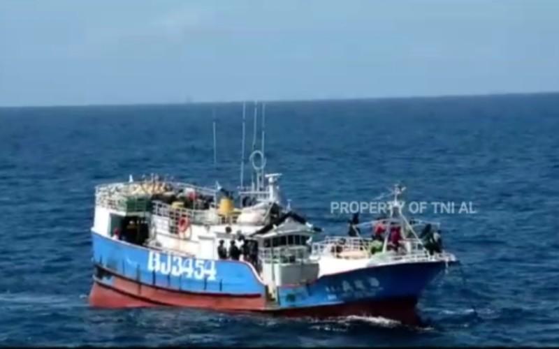 TNI AL Tangkap Kapal Ikan Asing Berbendera Taiwan di Laut Natuna Utara