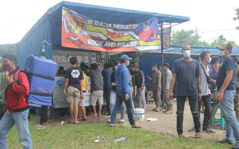 Langgar Prokes, Satpol PP Kota Bogor Bubarkan Kontes Burung Berkicau