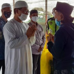 Dalam Kondisi Pandemi, STP MI Khoiru Ummah Gelar Acara Baksos Tahunan