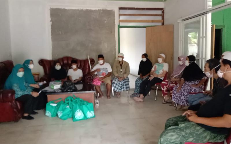Berbagi Rezeki, Ketua TP PKK Kecamatan Leuwiliang Sambangi Yayasan PSKS